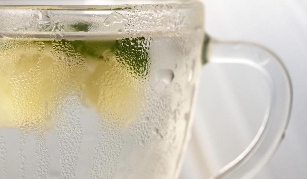 Bebida-isotonica-con-sabor-a-citricos