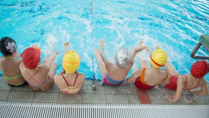 nadadores jóvenes